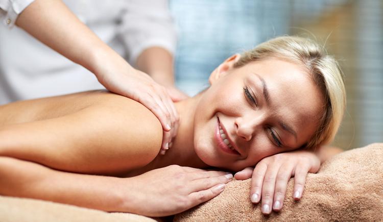 Wohltuende Massage im Spa Hotel Bründl. (© fotolia)