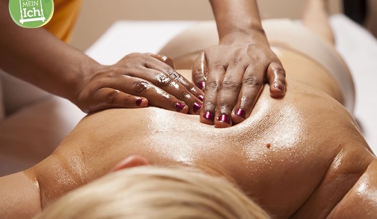 Ayurveda-Massage (© Kurhaus Schärding)