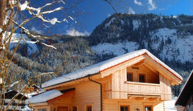 Die Lederhuberhütte im Gosau-Hintertal im Winter