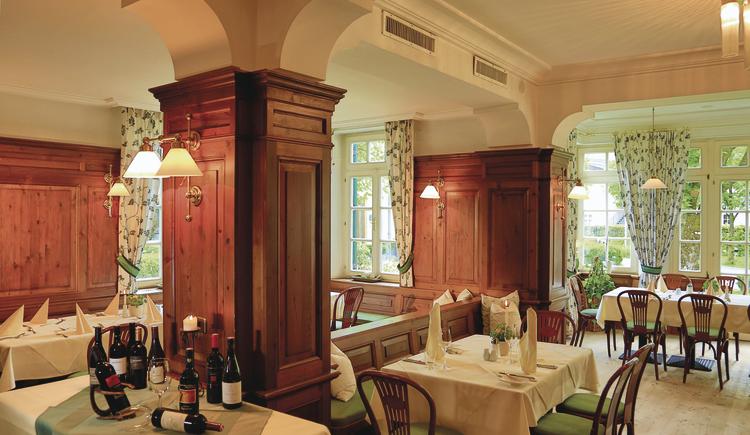 Restaurant. (© Seehotel Brandauers Villen)