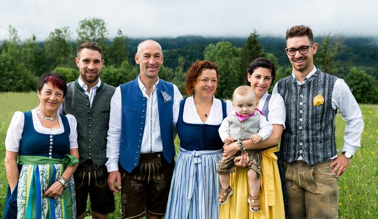 Familie Ellmauer. (© Aichingerwirt)
