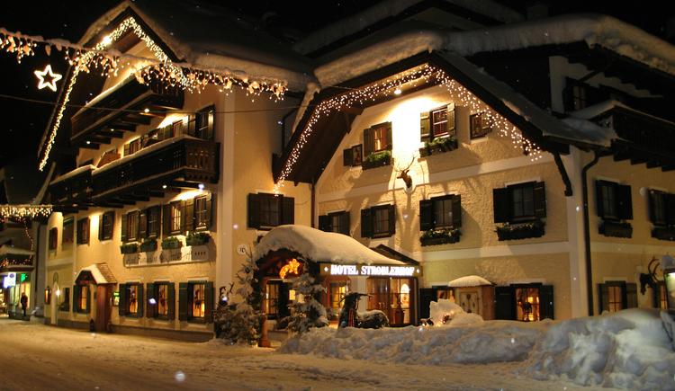 Hotel Stroblerhof am Wolfgangsee im Winter. (© Stroblerhof)