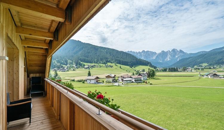 Ausblick vom Balkon auf das Gosautal