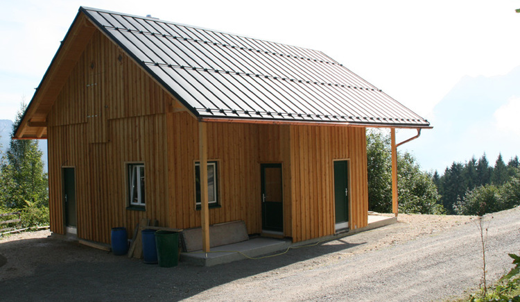 Die Rodelhütte in Bad Goisern lädt zum gemütlichen Einkehren ein. \n