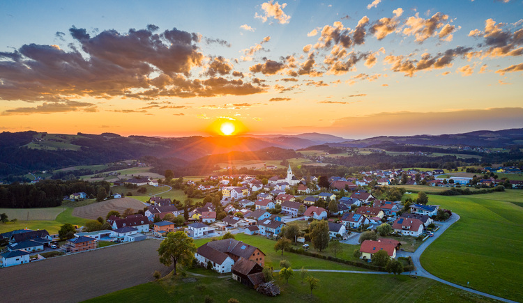 Haibach ob der Donau im Sonnenuntergang (© Johannes Kaindlstorfer)
