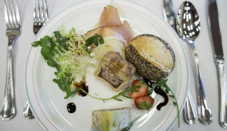 catering-lindbichler_vorspeise-1280x853 (© Almhotel Lindbichler)