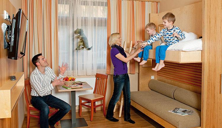 JUFA Hotel Almtal Familienzimmer. (© JUFA Hotel Almtal (© Heinz Hudelist))