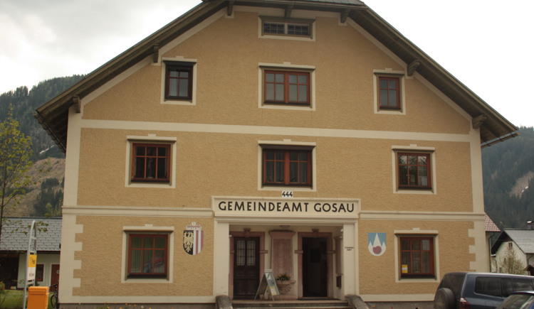 Das Gebäude des Gemeindeamts Gosau am Dachstein. (© Ferienregion Dachstein Salzkammergut)