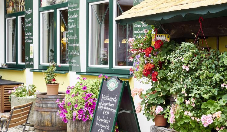 Außenansicht Gasthaus Zum Schiffmeister, Wesenufer