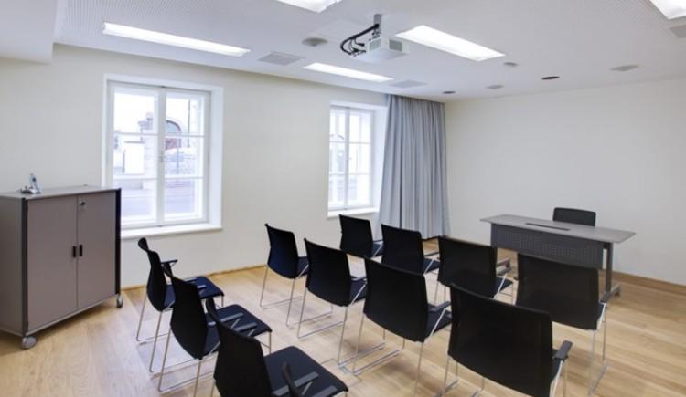 im EG\n35m2\n15 Personen Classroom