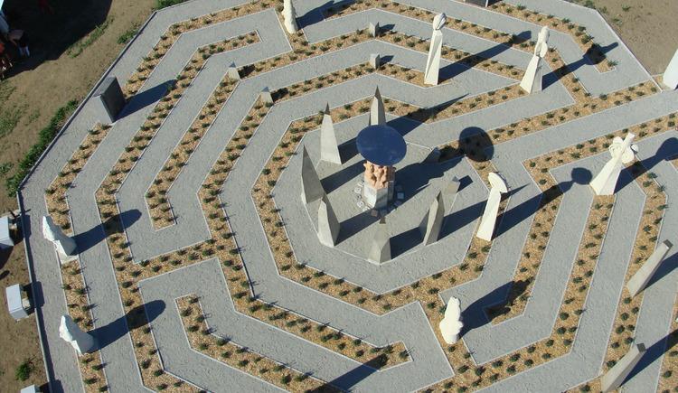 Labyrinth der Verwandlung (© Labyrinthe Hofkirchen i.M.)