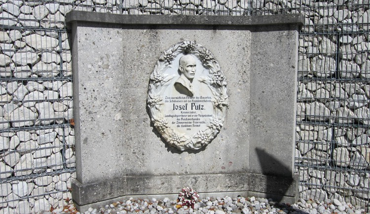 Hier können Sie das Josef Putz Denkmal in Bad Goisern am Hallstättersee besichtigen.