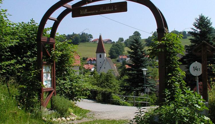 Kr\u00e4uterpforte (© Gemeindeamt Hirschbach)