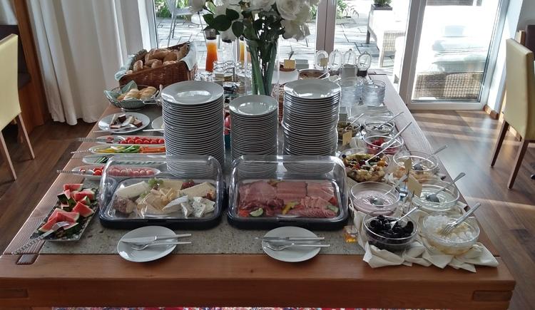 buffet-2016