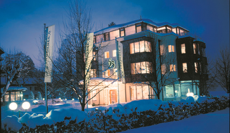 Das 4 Sterne superior Hotel Villa Brandauer in Strobl am Wolfgangsee im Winter. (© Villa Brandauer)