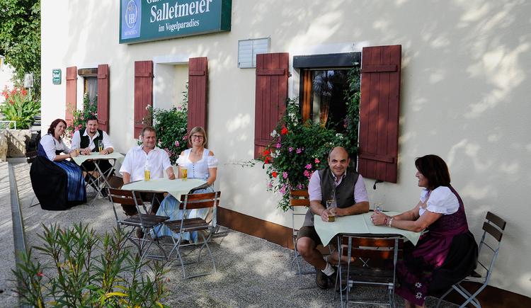 """Gasthaus \""""zum Vogelparadies\"""", Kirchdorf, Gastgarten\n"""
