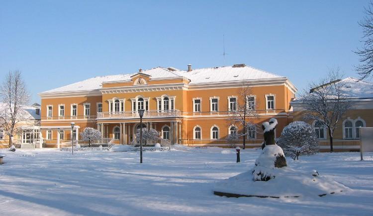 kurhaus winter 1.JPG
