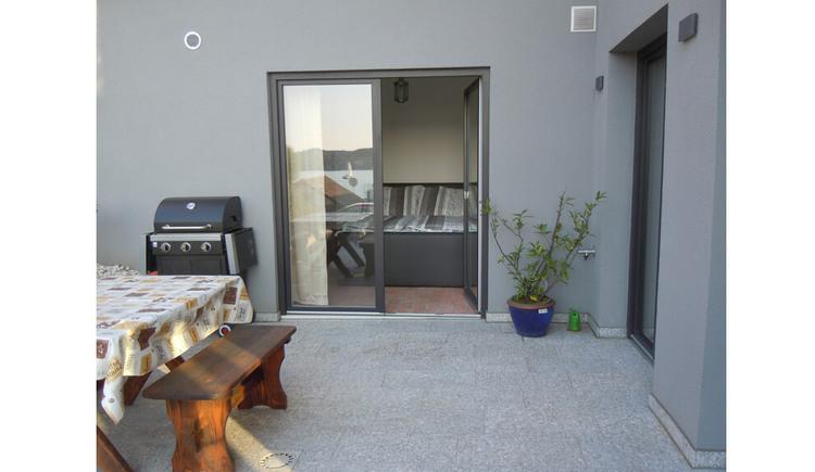 Apartment in Kammerl - Blick auf die Terrasse. (© Johanna Kiebler)