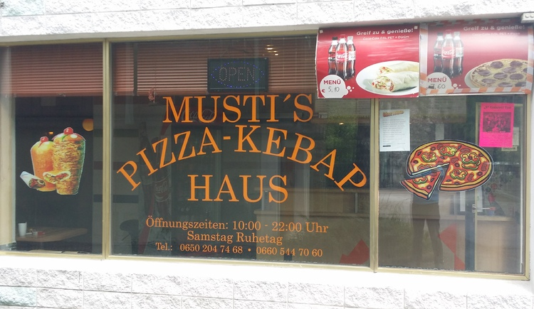 Musti's Pizza und Kebap in the city center of Bad Goisern am Hallstättersee. (© Musti's Pizza-Kebap Schnellimbiss)