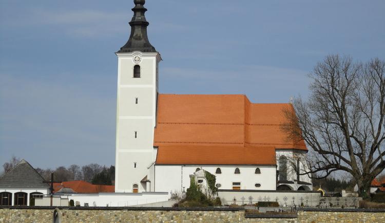 röm.kath. Pfarrkirche Seewalchen (© Ferienregion Attersee-Salzkammergut)