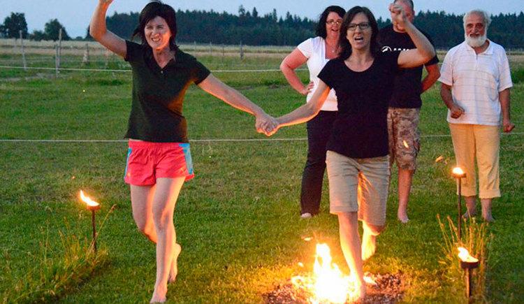 Lust am Leben Outdoor Adventure Feuerlauf. (© Lust am Leben Outdoor Adventure)