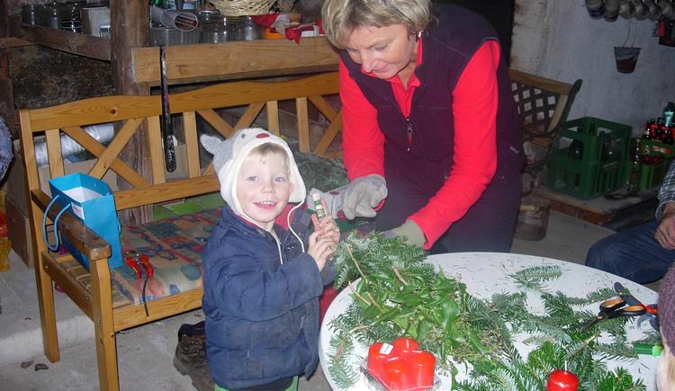 Advent, Weihnachten , Kinder, Bauernhof