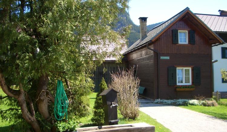 die Einfahrt zum Ferienhaus Feicht'n Schuster. (© Kirchschlager Inge)
