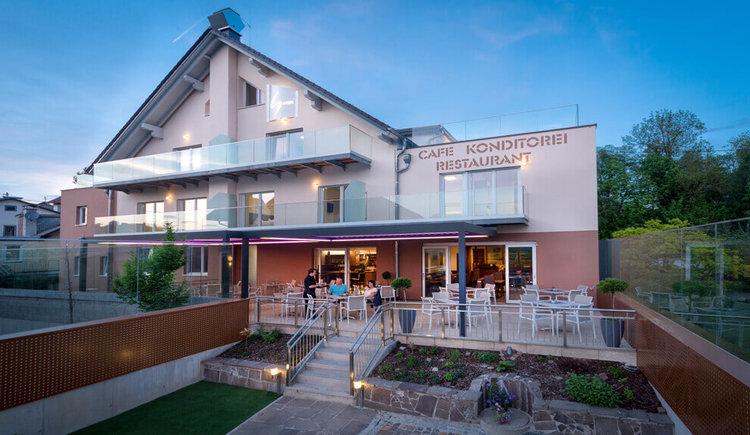 Hotel Restaurant Sailer in Seewalchen am Attersee Aussenansicht