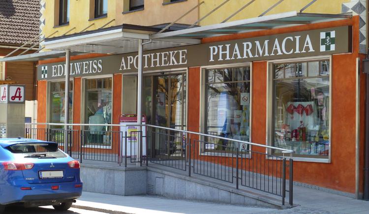 Die Edelweiss-Apotheke befindet sich im Zentrum von Bad Goisern und bietet ein umfangreiches Sortiment