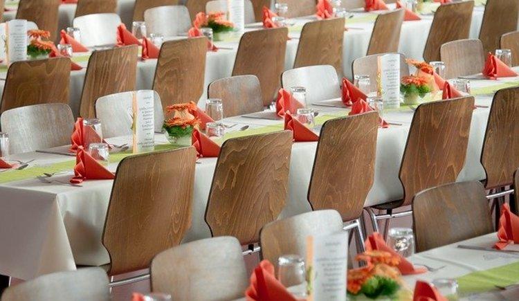 banquet (c) pixabay_Michael Schwarzenberger (© Michael Schwarzenberger)