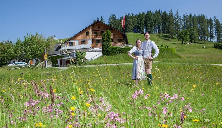 Almgasthof Windlegern und Wirtepaar (© Almgasthof Windlegern - Fam. Grashäftl)