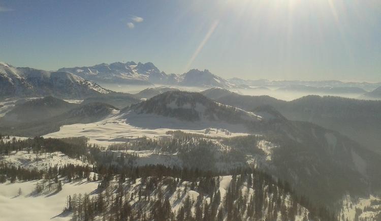 Ausblick  Dachstein und Tennengebirge