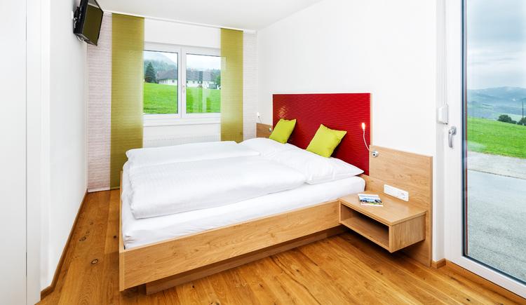 Unser neu errichteten Komfortzimmer bieten perfekten Schlafkomfort mitten im Nationalpark Kalkalpen.