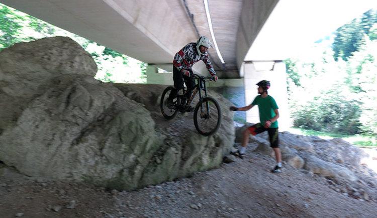 Mountainbiker – Einsteiger, Fortgeschrittene, Spezialisten – die Fahrtechnik erlernen, verbessern  oder vertiefen möchten, Schotterstraßen, Trails und Single-Trails fahren möchten, Familienausflüge der besonderen Art erleben möchten,…