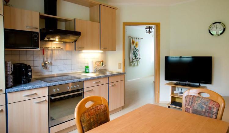 Blick von Wohnküche in den Vorraum