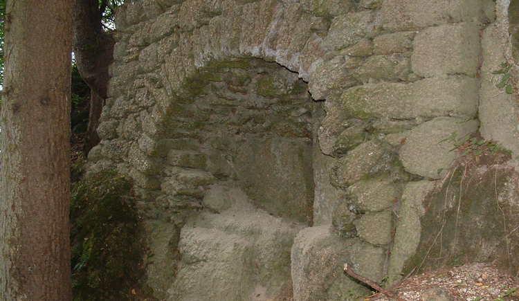 Steinbogen Ruine Saxenegg