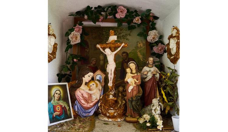 Blick auf Heiligenfiguren, Bilder