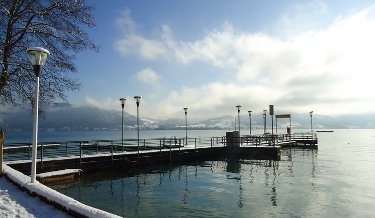 Winterlandschaft in Attersee (© Ferienregion Attersee-Salzkammergut)