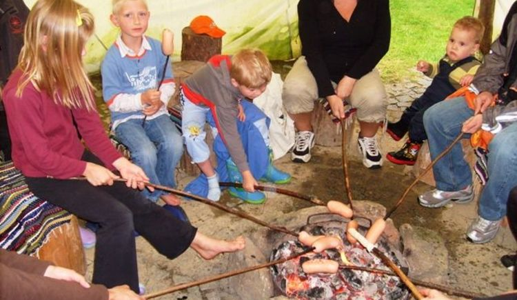 Lagerfeuer im Tipi