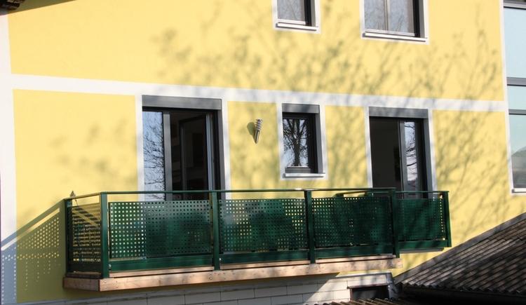 Ferienwohnung nahe dem Attersee mit Balkon