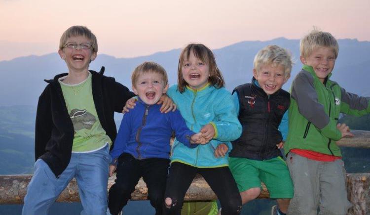 Kinder, Spielen, Bauernhof , Freunde