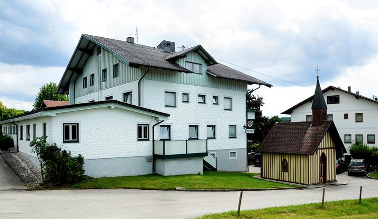 Landgasthof und Seminarhotel Kobleder in Mettmach - Außenansicht Haus. (© Innviertel Tourismus)