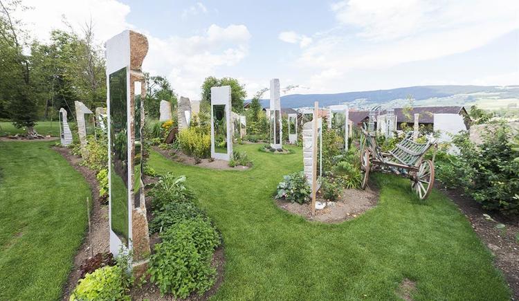 Gartenanlage-Spiegellabyrinth (© Lemurien-Lehrgarten)