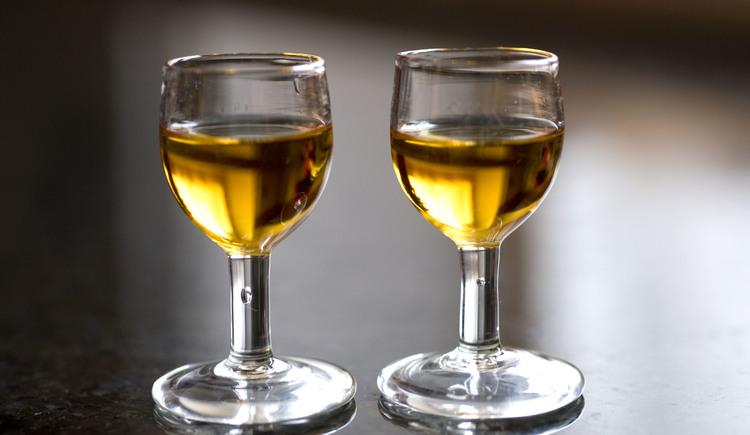 schnapsglas, kugelstamperl, formfrei mundgeblasen, thom feichtner, aschach a.d.donau