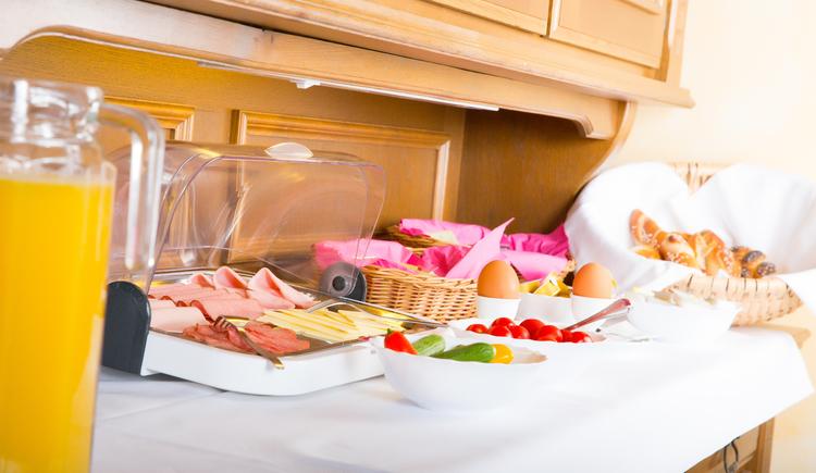 Frühstück Pension Maria Theresa Bad Goisern, Salzkammergut