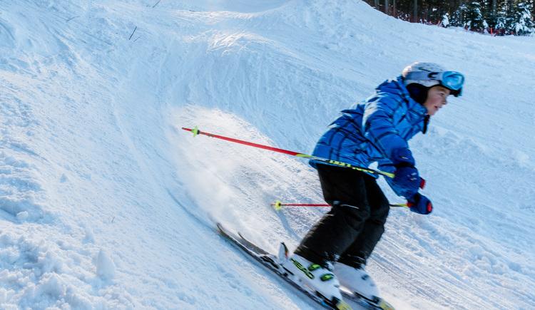 Skifahren in der Wintersportarena Liebenau (© Dieter Hawlan)