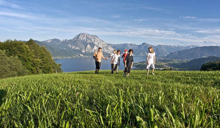 Das Wanderparadies in Altmünster am Traunsee im Salzkammergut bietet für Familien eine vielfallt an Wanderwegen. (© MTV Ferienregion Traunsee - Tourismusbüro Altmünster)