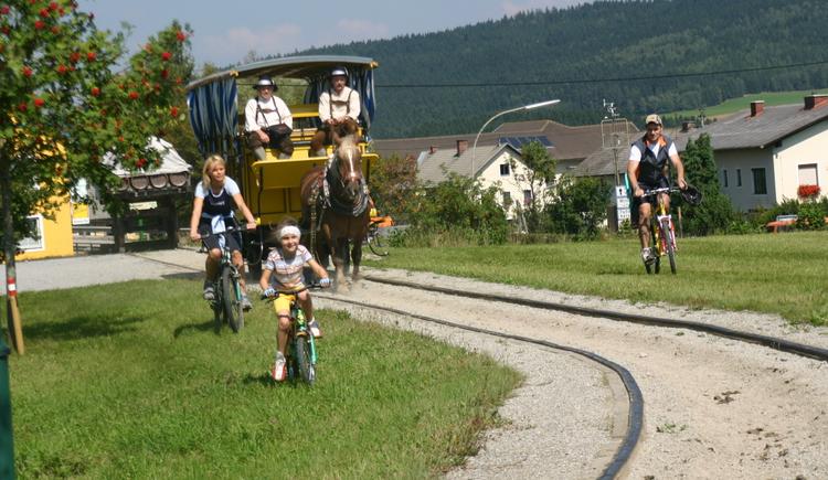 Radeln bei der Pferdeeisenbahn (© MV Kernland)
