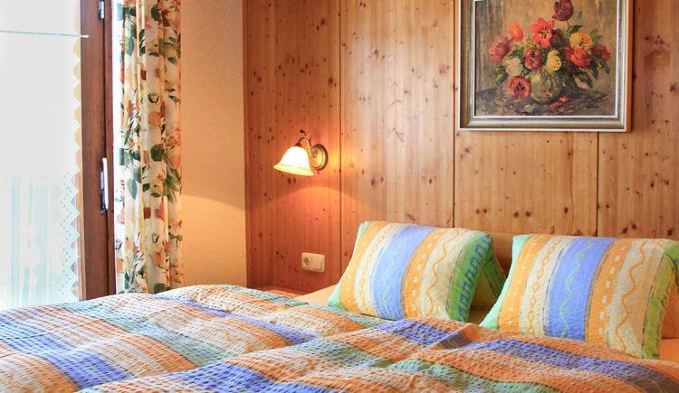 Schlafzimmer im Apartment Gosaukamm