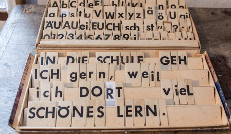 Schulunterricht anno dazumal... (© Verbund Oö. Museen / Foto: Flora Fellner)